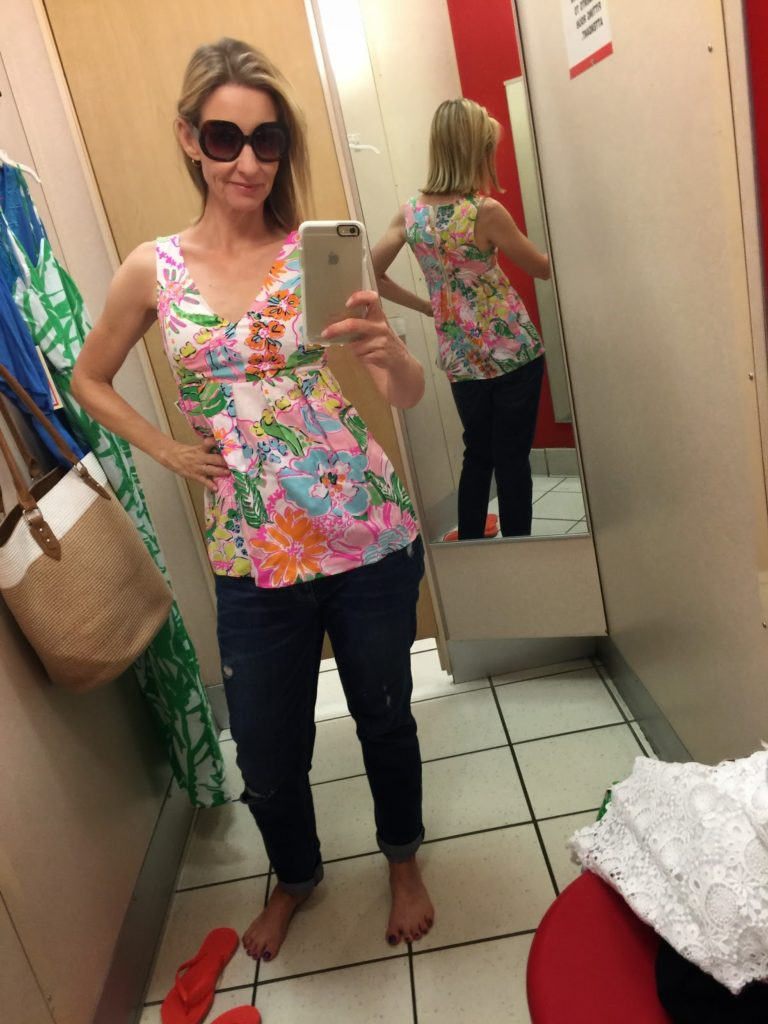 9e25c42e593908 ... floral top. This is an XS in the picture and too tight, so I went up to  the S. (Sizes seemed true to expectation. I ended up with small in  everything.)