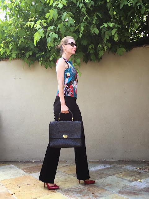 eshakti review, pants for pear shapes, custom pants