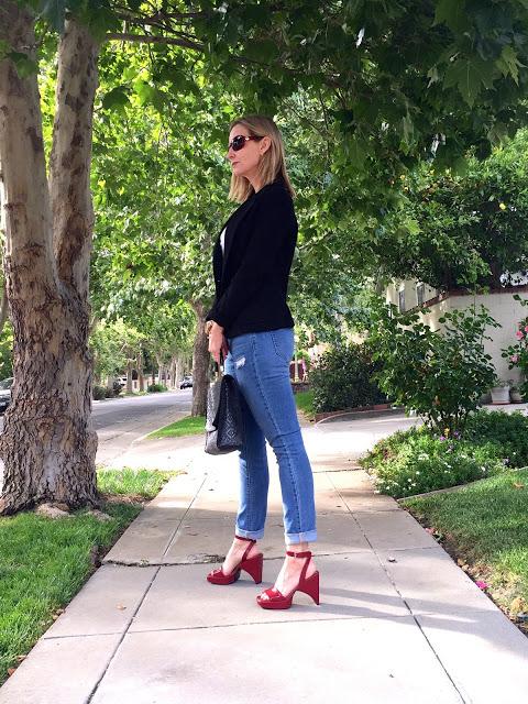 vintage bag, vintage prada, vintage shoes, modern look, cool style
