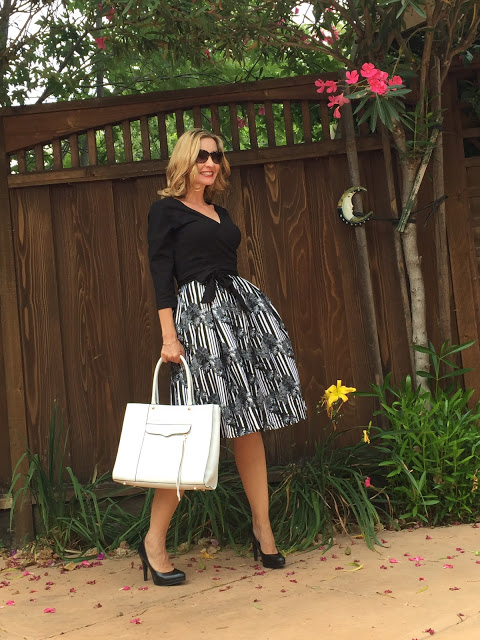 where to buy a dress if you're over forty, fashion over forty, styling a dress, eshakti