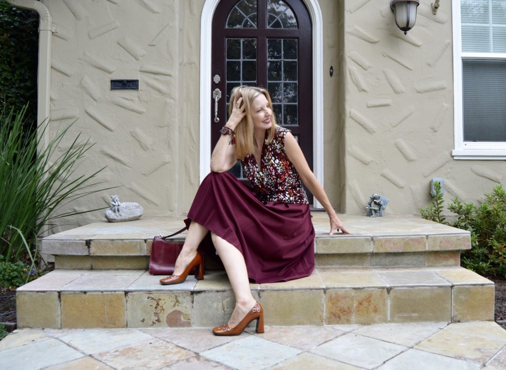 midi skirt over 40, summer to fall look