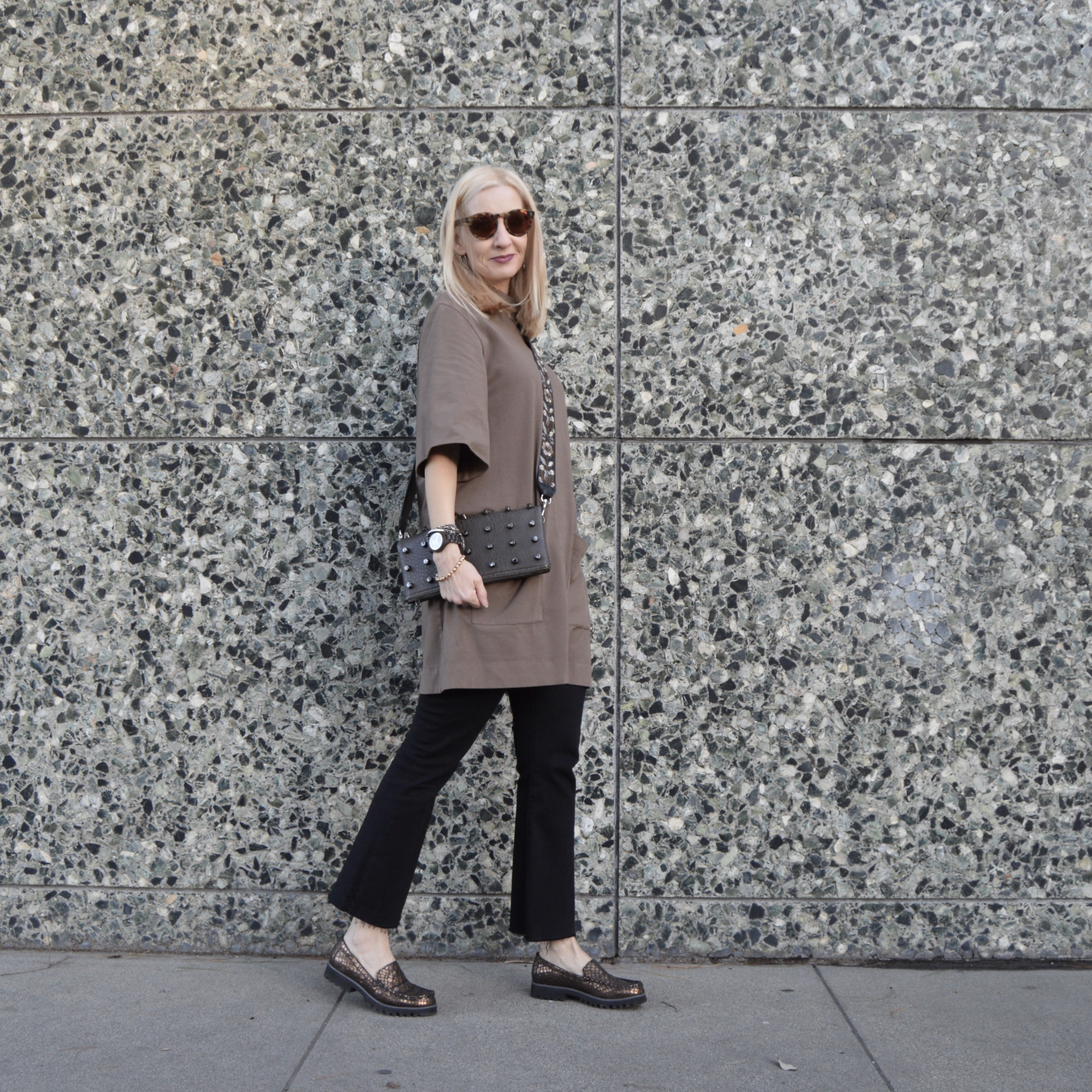 OOTD, midlife style, crop flare trend, guitar strap trend