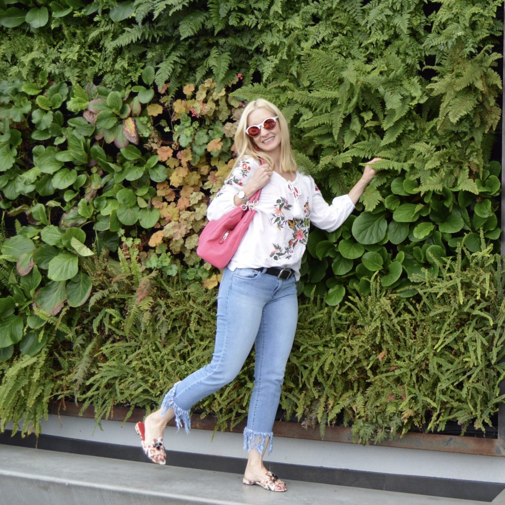 Casual spring outfit, trendy over 50