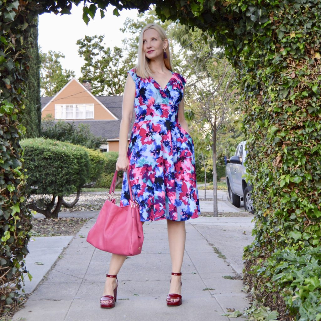 best dresses for pear shapes, style over 40