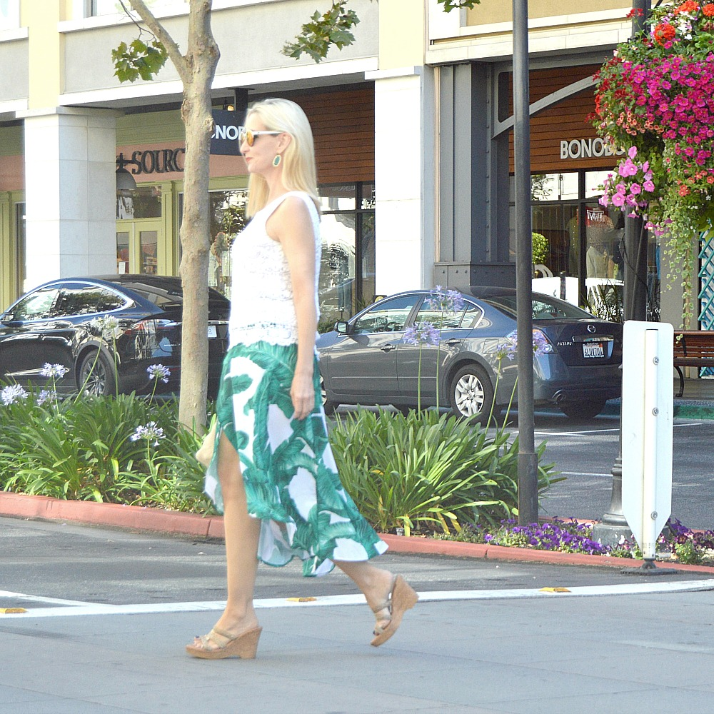 resort style over 40, midlife style