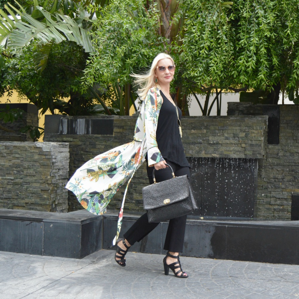 wearing the kimono trend over 40