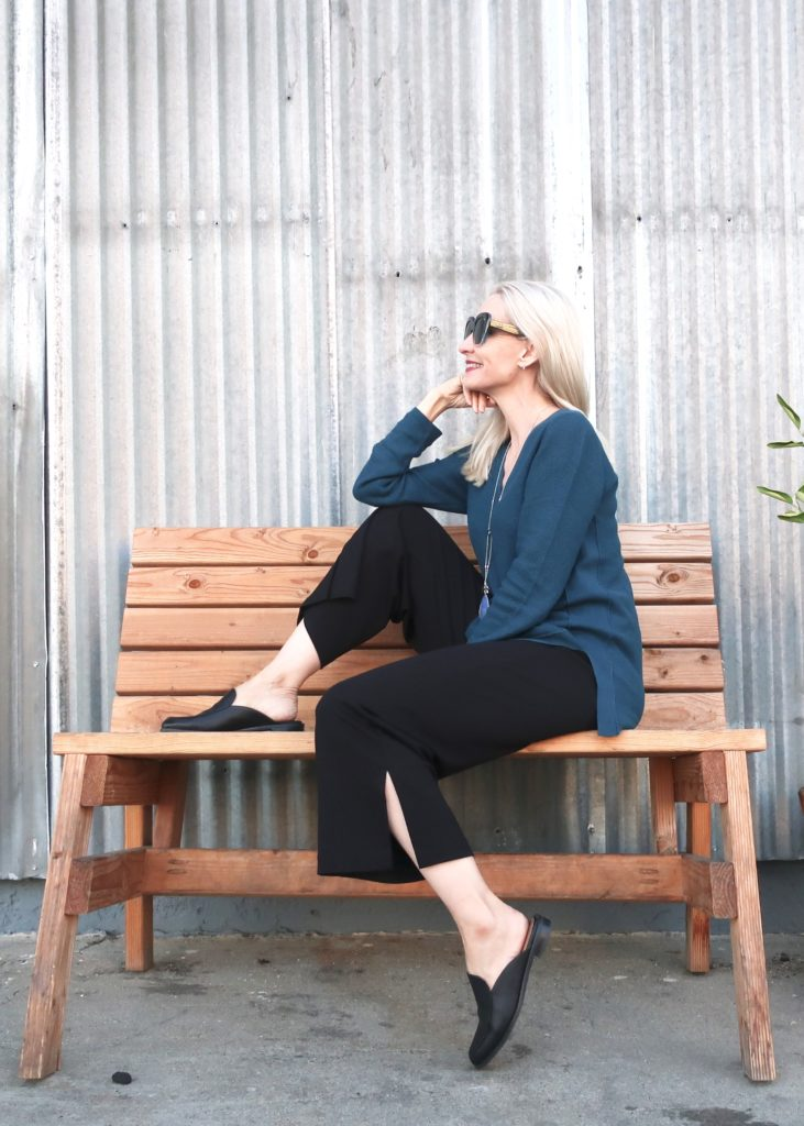 comfortable outfit for women over 40
