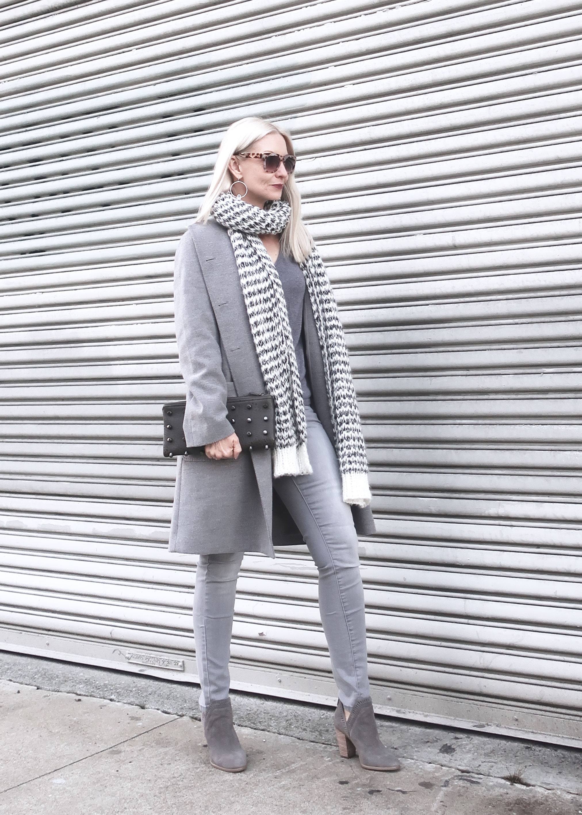 tonal dressing in gray, how to style a tonal outfit