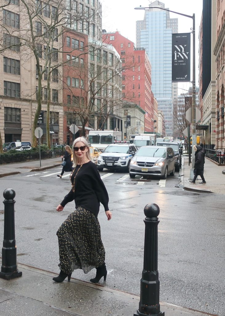 glam style for women over 50