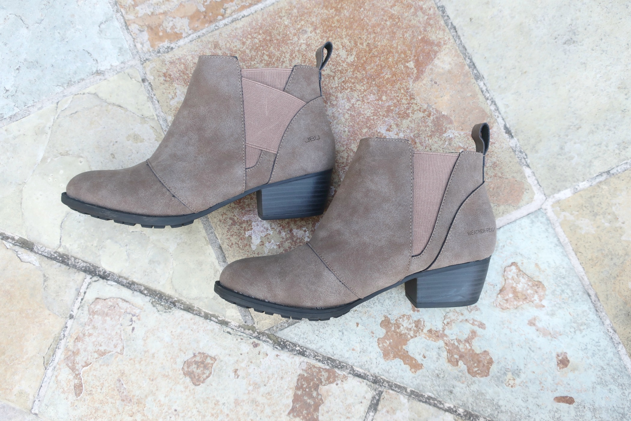 Jambu Footwear's versatile booties for fall 2019