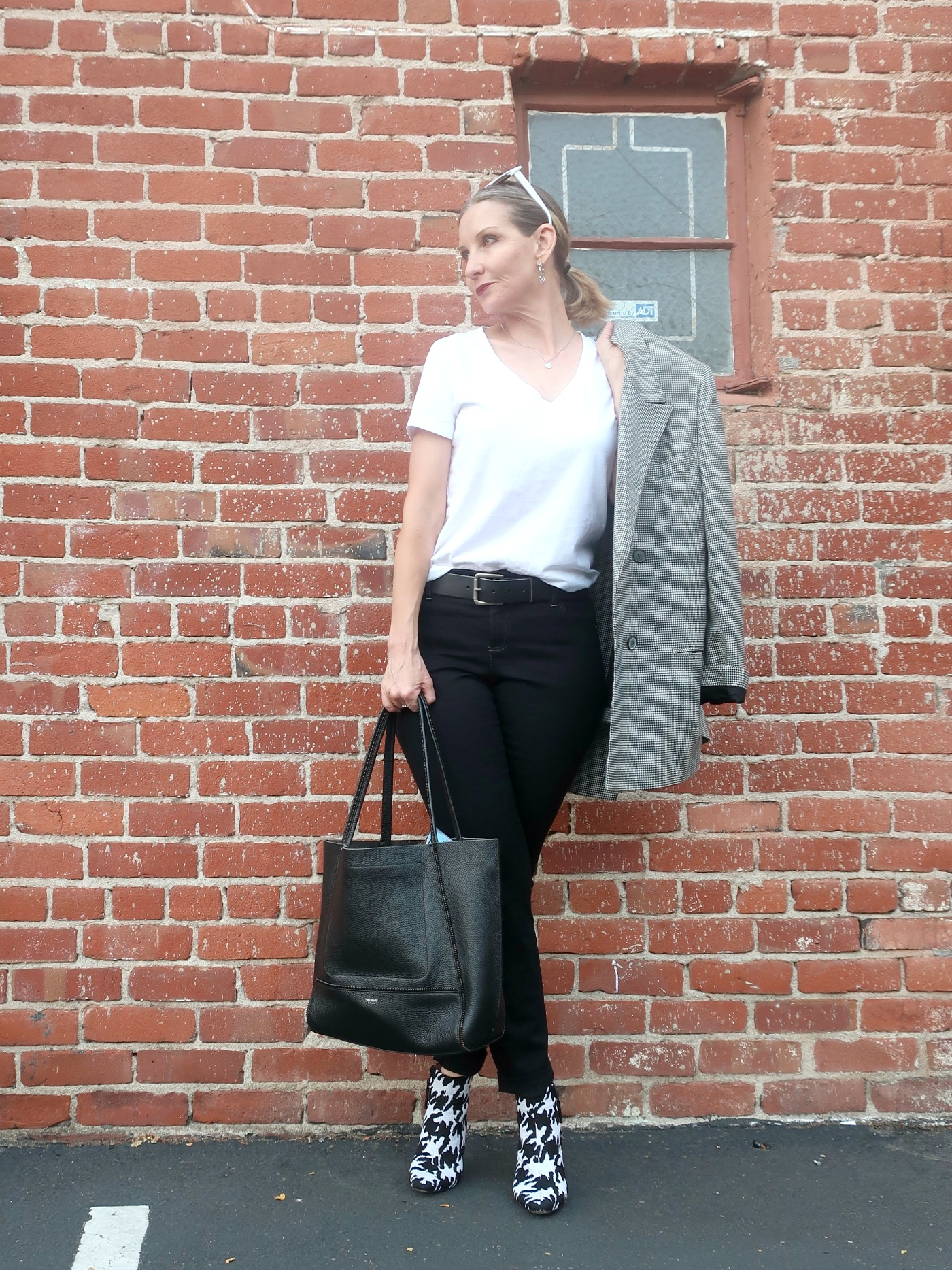 Black and white capsule wardrobe