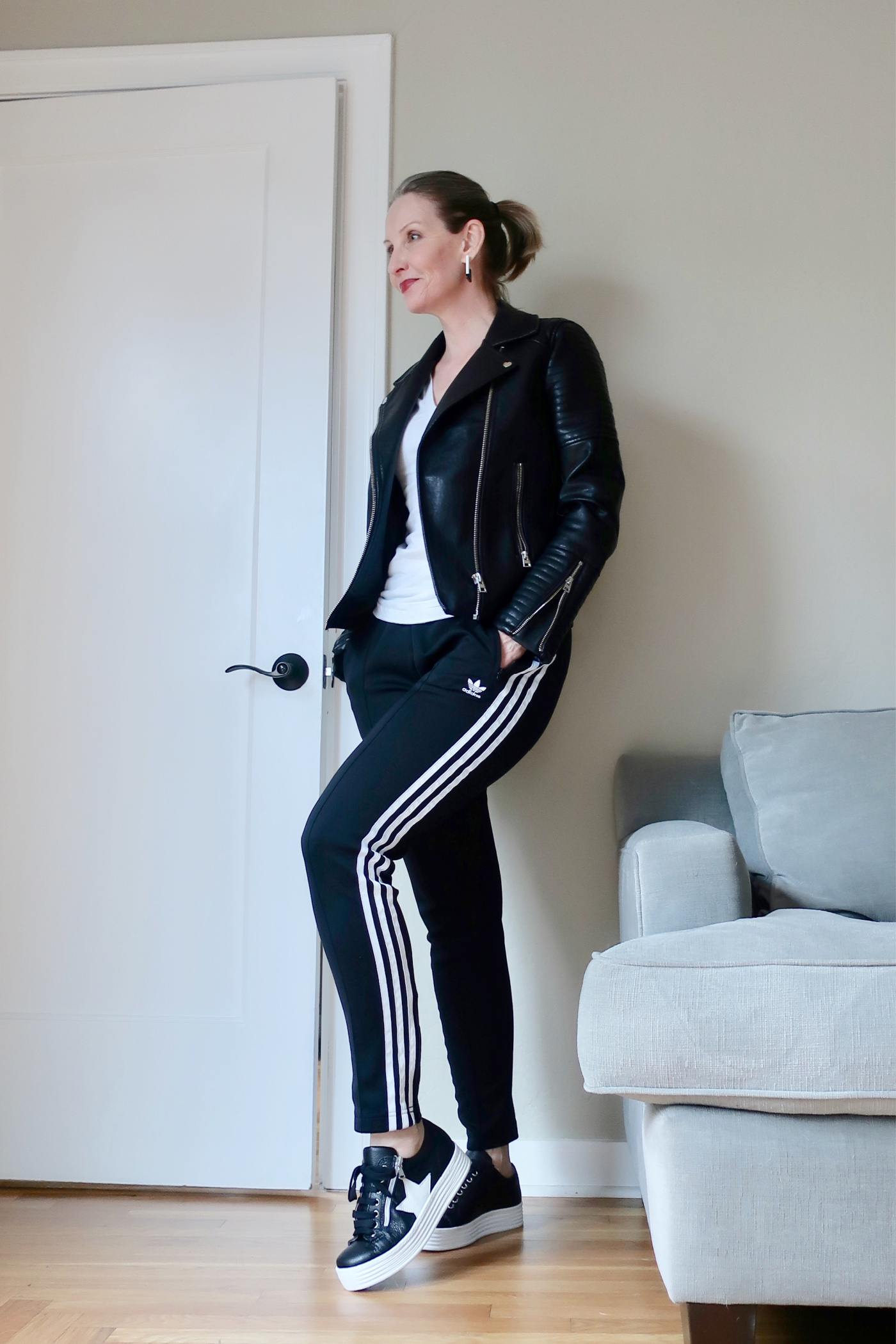 athleisure OOTD, athleisure outfit for women over 40