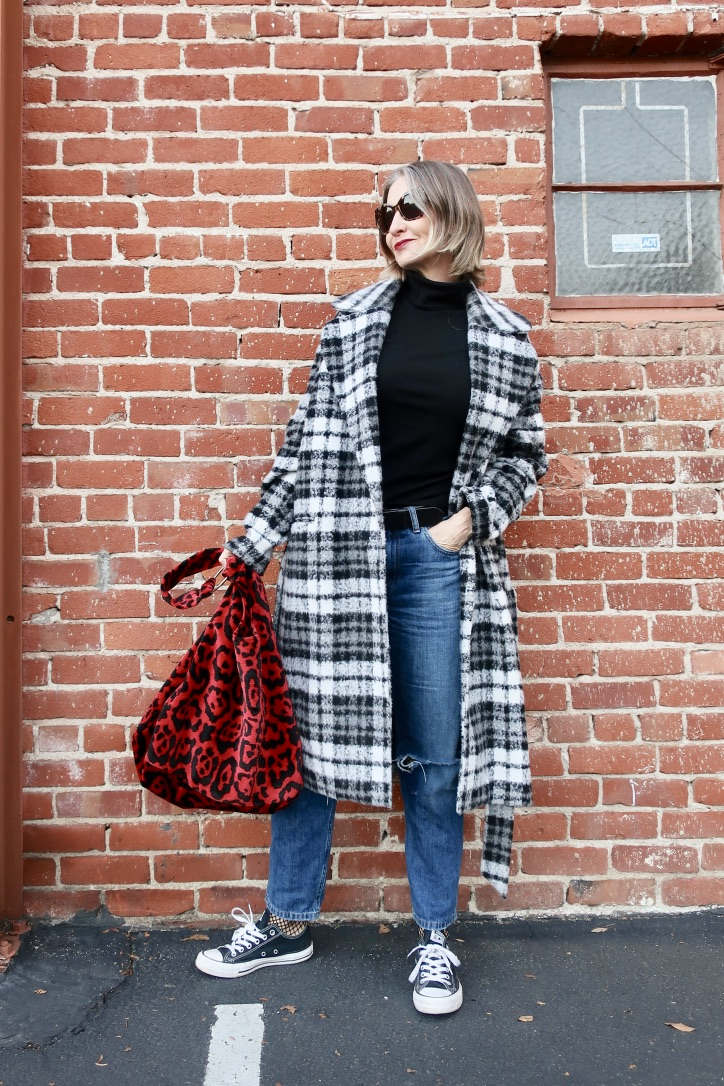 winter casual and cool outfit for women over 40