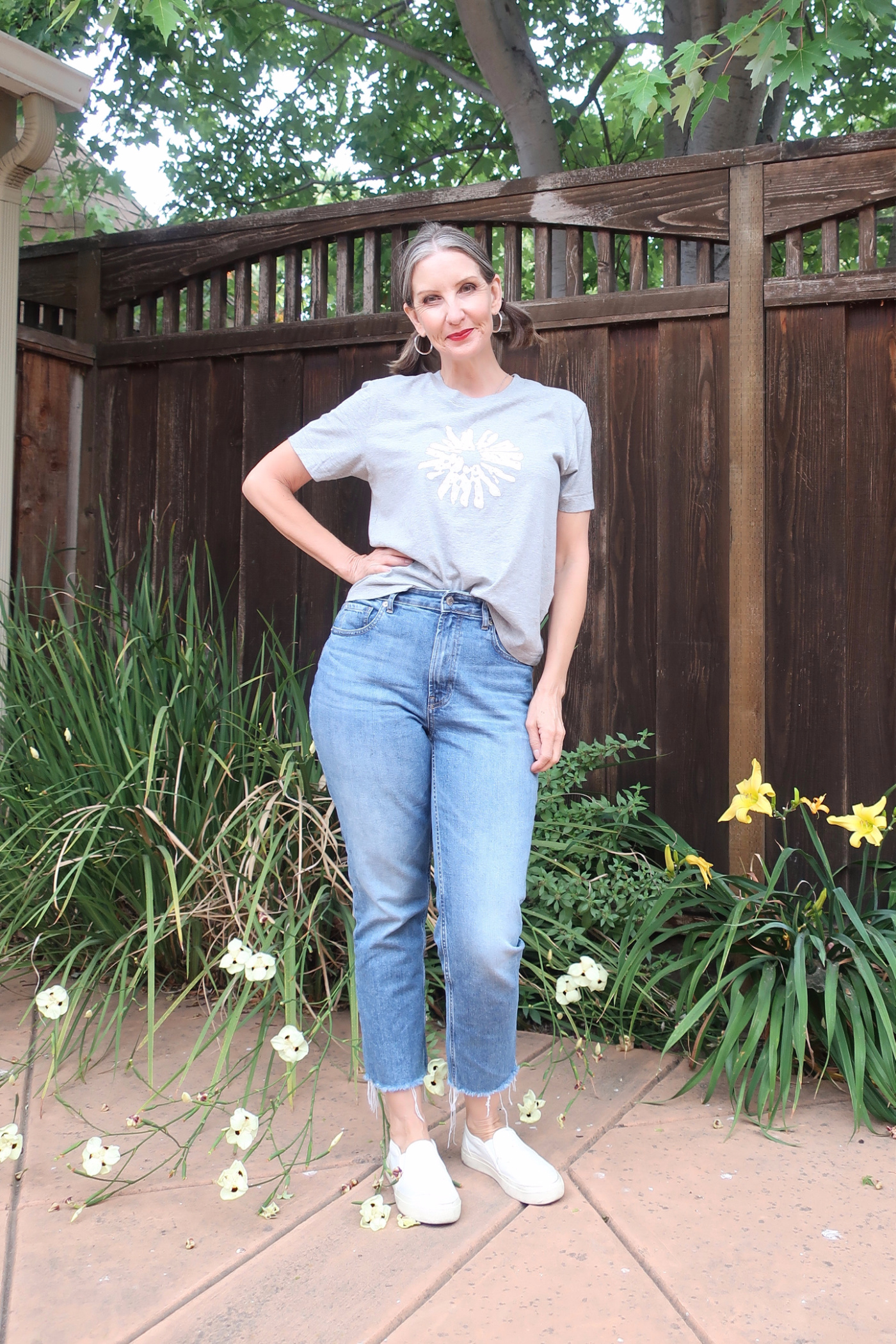 California casual style for women over 40