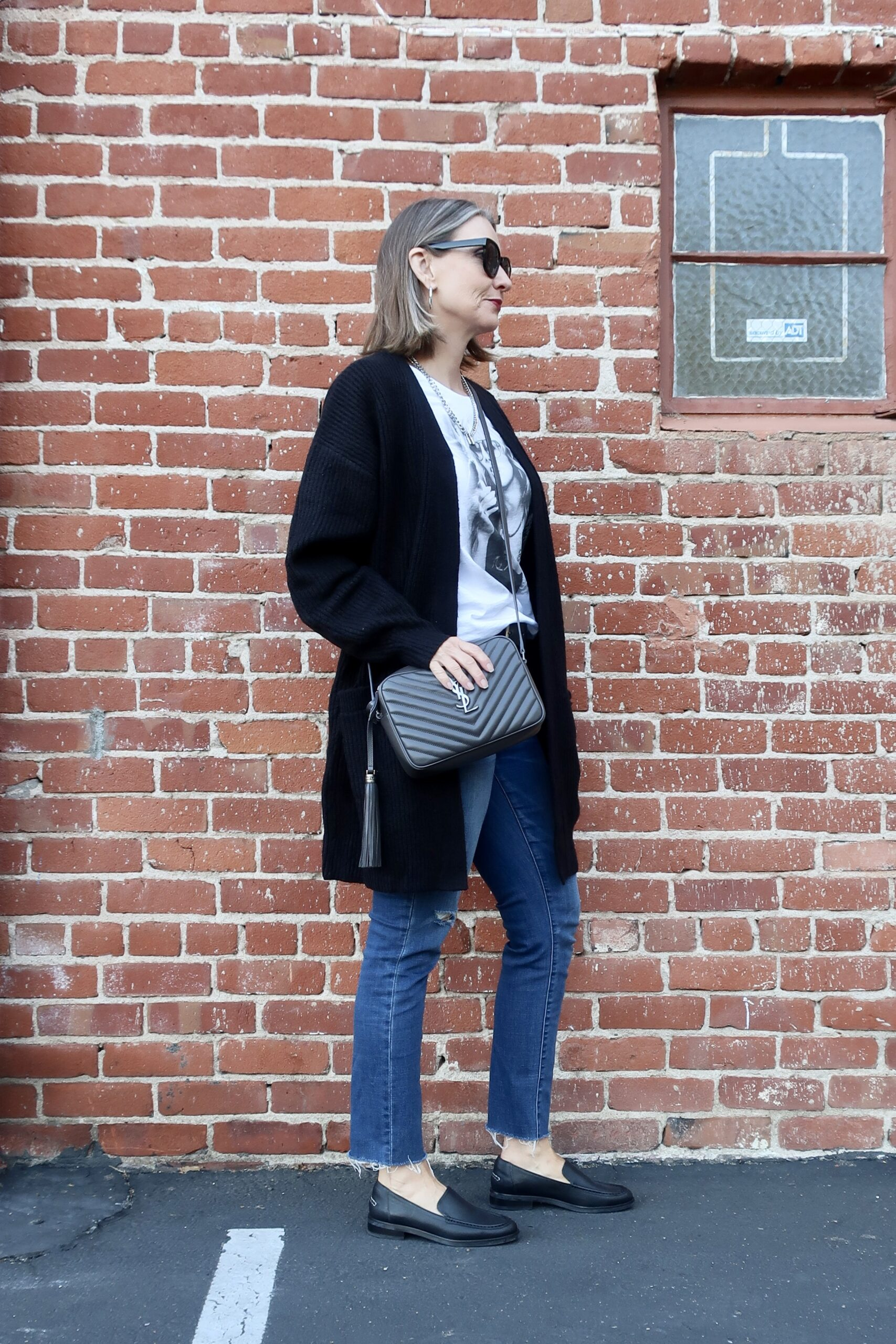 urban casual OOTD, urban chic over 40